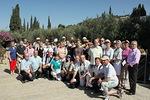 Jerusalemissa Getsemanen puutarhassa ryhmästä otettiin yhteiskuva
