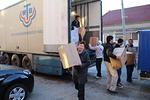 Torstaina 8.12. saapui toinen rekka mukanaan lisää paketteja, jotka siirrettiin varastoon.