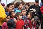 Ciocaian lapset lauloivat pakettien tuojille
