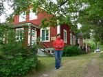 Fiskön vanha kansakoulu on nykyisin Elävän ravinnon instituutin päärakennuksena