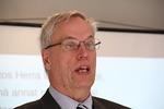 Kurssin johtajan puheenvuorossa Timo Lehtikari rohkaisi käyttäen mainiota vertausta vääntyneistä mutta käyttöön oiotuista nauloista.