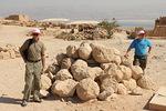 Tällaisia kivenjärkäleitä roomalaiset sinkosivat heittokoneillaan alhaalta linnoitukseen