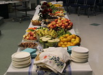 Rakkauden aterian pöytä on katettuna, vieraat voivat saapua