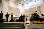 Arkin House Band vastasi juhlan alkuosan musiikista.
