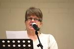 Ulla Kauppinen lausui kauniin ja puhuttelvan runon elämän kankaasta