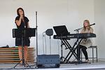 Jälleen yleisöä  hemmoteltiin hyvällä musiikilla. Virpi Vilponen ja Mila Lehtonen.