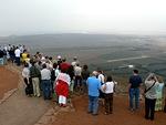 Matkamme jatkui Golanille ja siellä korkealla vuorella olevaan sotilastukikohtaan, josta oli mahtavat näkymät