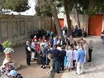 Jerusalemissa Isä meidän -kirkon pihamaalla