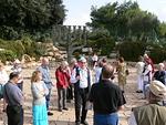 Israelin eduskunnan Knessetin luona kuulimme paljon mielenkiintoisia asioita.