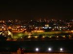 Suuren Kuninkaan kaupunki Jerusalem yöllä etelästä nähtynä