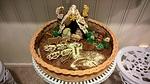PInkerin ja Kaijan piparitaikinasta ja näkkileivästä tekemä herkullisen kaunis jouluseimi